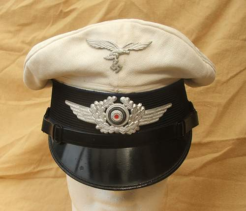 Click image for larger version.  Name:Luftwaffe Medical white top visor cap 003.jpg Views:73 Size:197.0 KB ID:586408