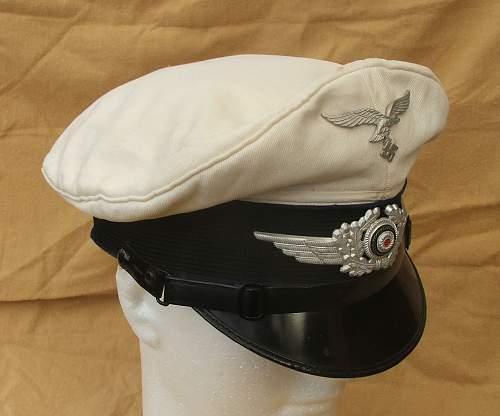 Click image for larger version.  Name:Luftwaffe Medical white top visor cap 005.jpg Views:96 Size:129.0 KB ID:586409