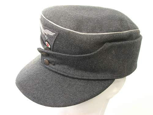Click image for larger version.  Name:M43 Officer cap trapezoid insignia 003.jpg Views:167 Size:221.2 KB ID:586687
