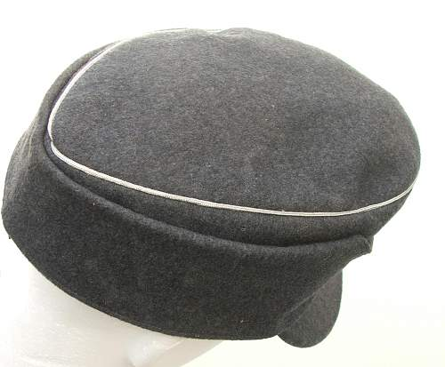 Click image for larger version.  Name:M43 Officer cap trapezoid insignia 012.jpg Views:87 Size:215.7 KB ID:586693