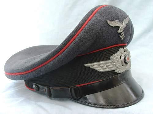 Click image for larger version.  Name:Flak NCO visor cap 002.jpg Views:182 Size:217.1 KB ID:587664
