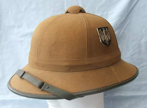 Click image for larger version.  Name:Tropical sun helmet 1st pattern Heer 004.jpg Views:367 Size:222.2 KB ID:589009
