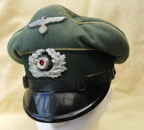 Click image for larger version.  Name:Infantry OR-NCO visor cap 001.jpg Views:106 Size:212.0 KB ID:590803