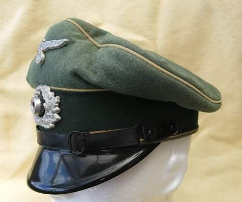 Click image for larger version.  Name:Infantry OR-NCO visor cap 002.jpg Views:91 Size:208.9 KB ID:590804