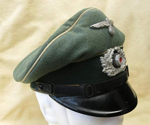Click image for larger version.  Name:Infantry OR-NCO visor cap 003.jpg Views:48 Size:209.2 KB ID:590805