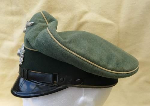 Click image for larger version.  Name:Infantry OR-NCO visor cap 005.jpg Views:12 Size:208.0 KB ID:590807