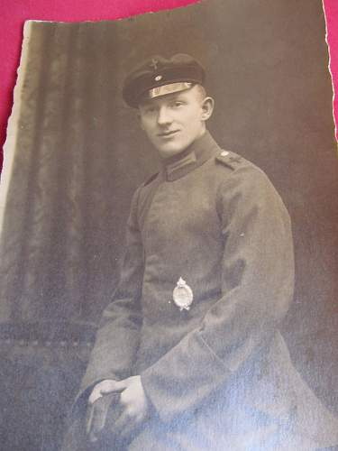 Click image for larger version.  Name:ww 1 fleiger cap.jpg Views:58 Size:218.9 KB ID:633986