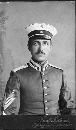Click image for larger version.  Name:garde du corps regiment 1911-18.jpg Views:19 Size:29.3 KB ID:701374