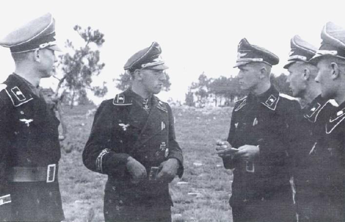 Hermann Göring Division EM/NCO Visor - Page 2