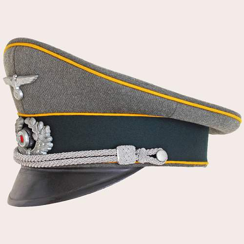 Click image for larger version.  Name:German_Cavalry_Officers_Cap_02.jpg Views:56 Size:173.7 KB ID:715858