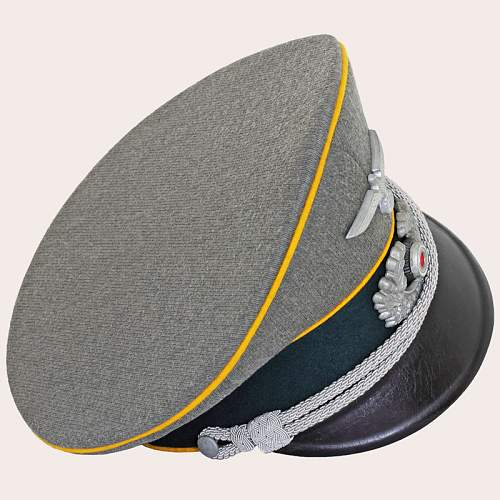 Click image for larger version.  Name:German_Cavalry_Officers_Cap_04.jpg Views:54 Size:220.4 KB ID:715860