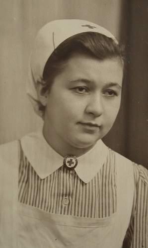 """""""Helerinnen Haube"""" DRK Schwester ( German Red Cross cap for a nurse )"""
