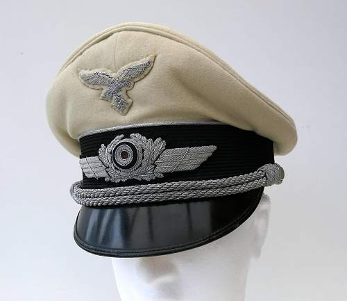 Click image for larger version.  Name:Luftwaffe officer white top v Brauchitsch 001.jpg Views:141 Size:205.6 KB ID:750651