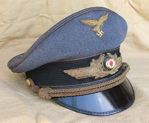Click image for larger version.  Name:Luftwaffe general's visor cap 004.jpg Views:85 Size:227.3 KB ID:751875