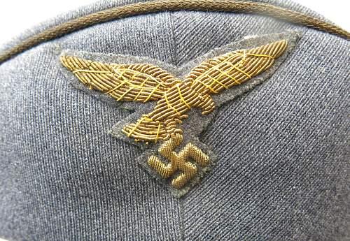 Click image for larger version.  Name:Luftwaffe Erel generals visor cap 002.jpg Views:20 Size:252.2 KB ID:751881