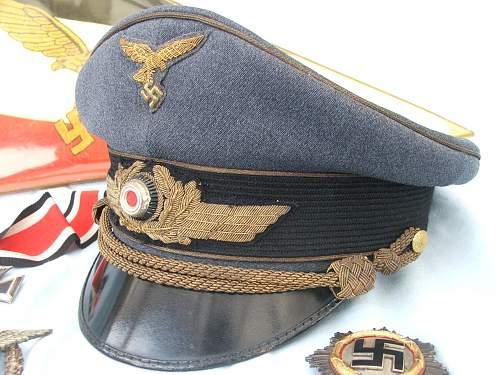 Click image for larger version.  Name:Luft general officer visor cap 002.jpg Views:27 Size:230.0 KB ID:751882
