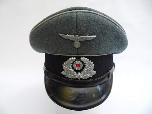 Click image for larger version.  Name:militaria 043.JPG Views:35 Size:173.8 KB ID:765666