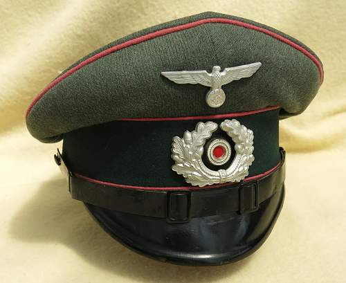 Click image for larger version.  Name:Clemens Wagner Panzer NCO visor cap 001.jpg Views:63 Size:217.0 KB ID:777804