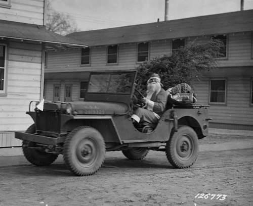 Click image for larger version.  Name:Santa Christmas Jeep 2.jpg Views:55 Size:60.8 KB ID:779404