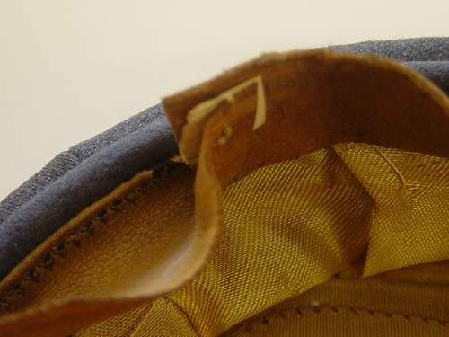 Click image for larger version.  Name:Luftwaffe Officers schirmutze sweatband rear..jpg Views:99 Size:158.9 KB ID:7997