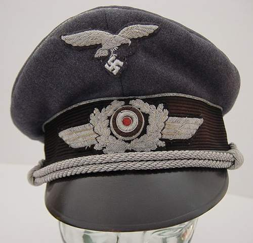 Click image for larger version.  Name:Luftwaffe Officers Schirmutze..JPG Views:265 Size:117.0 KB ID:7998