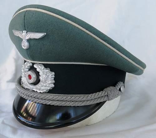 Click image for larger version.  Name:Schellenberg Infantry Officer Visor Cap 002.jpg Views:20 Size:133.2 KB ID:801974