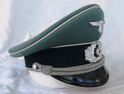 Click image for larger version.  Name:Schellenberg Infantry Officer Visor Cap 003.jpg Views:134 Size:120.9 KB ID:801975