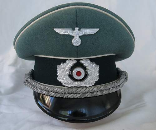 Click image for larger version.  Name:Schellenberg Infantry Officer Visor Cap 004.jpg Views:58 Size:137.7 KB ID:801976