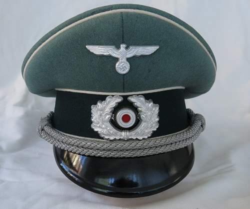 Click image for larger version.  Name:Schellenberg Infantry Officer Visor Cap 004.jpg Views:16 Size:137.7 KB ID:801976