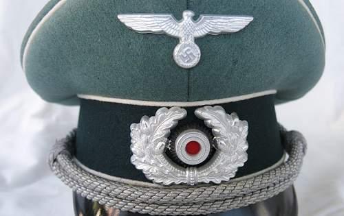 Click image for larger version.  Name:Schellenberg Infantry Officer Visor Cap 005.jpg Views:62 Size:141.3 KB ID:801977