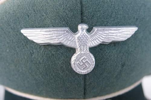 Click image for larger version.  Name:Schellenberg Infantry Officer Visor Cap 007.jpg Views:32 Size:139.4 KB ID:801979