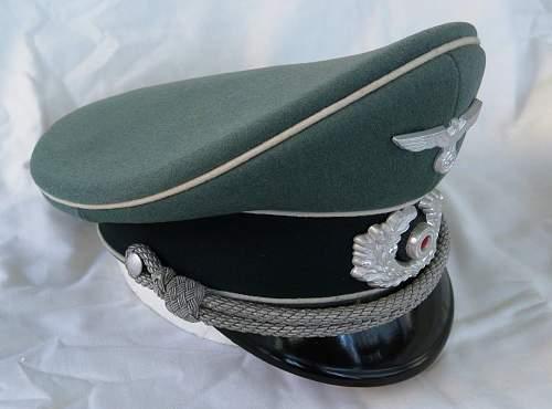 Click image for larger version.  Name:Schellenberg Infantry Officer Visor Cap 014.jpg Views:20 Size:124.2 KB ID:801986