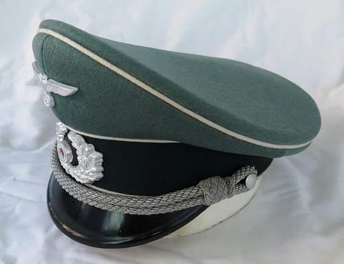 Click image for larger version.  Name:Schellenberg Infantry Officer Visor Cap 015.jpg Views:52 Size:123.9 KB ID:801987