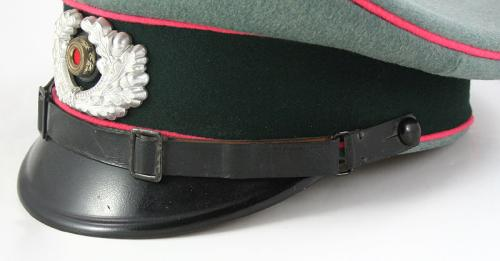 Panzer visor hat : help needed...