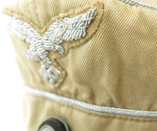 Click image for larger version.  Name:Luftwaffe tropical officer M41 cloth cap 012.jpg Views:51 Size:134.4 KB ID:830016