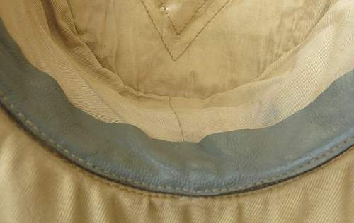 Click image for larger version.  Name:Luftwaffe tropical officer M41 cloth cap 014.jpg Views:37 Size:123.3 KB ID:830018