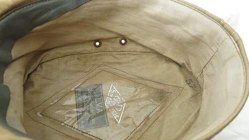 Click image for larger version.  Name:Luftwaffe tropical officer M41 cloth cap 024.jpg Views:33 Size:158.7 KB ID:830026