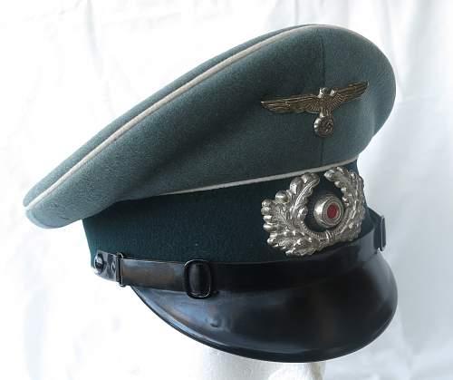 Click image for larger version.  Name:Erel 'standard' NCO - OR visor cap 001.jpg Views:75 Size:211.9 KB ID:840620
