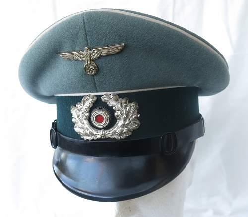 Click image for larger version.  Name:Erel 'standard' NCO - OR visor cap 002.jpg Views:166 Size:205.7 KB ID:840621