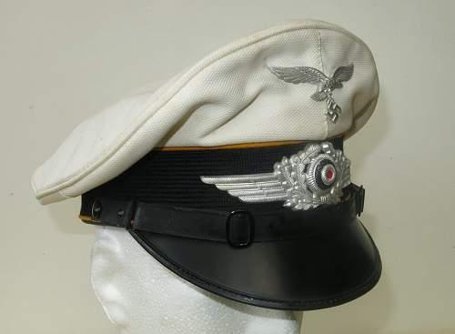 Click image for larger version.  Name:Luftwaffe flight section white top visor cap 001.jpg Views:46 Size:100.9 KB ID:842061