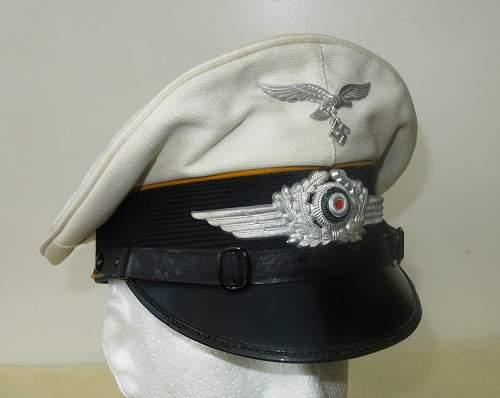 Click image for larger version.  Name:Luftwaffe flight section white top visor cap 004.jpg Views:53 Size:111.4 KB ID:842064
