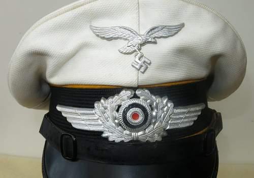 Click image for larger version.  Name:Luftwaffe flight section white top visor cap 005.jpg Views:136 Size:139.9 KB ID:842065