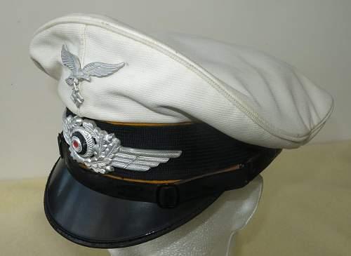 Click image for larger version.  Name:Luftwaffe flight section white top visor cap 006.jpg Views:44 Size:113.5 KB ID:842066