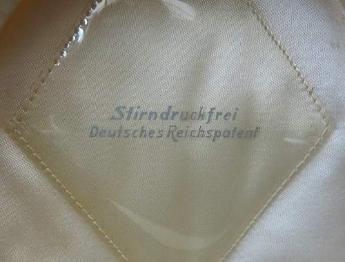 Click image for larger version.  Name:Luftwaffe flight section white top visor cap 008.jpg Views:14 Size:219.5 KB ID:842068