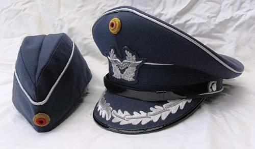 Click image for larger version.  Name:Bundesluftwaffe officer's visor cap 003.jpg Views:69 Size:116.3 KB ID:843191