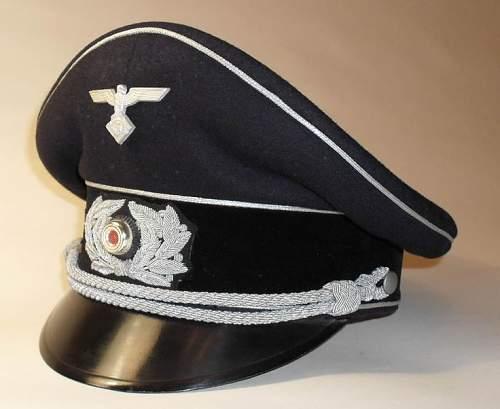 Mysterious cap badge