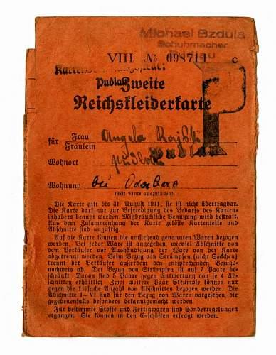 Click image for larger version.  Name:Reichskleiderkarte.jpg Views:52 Size:44.2 KB ID:858586