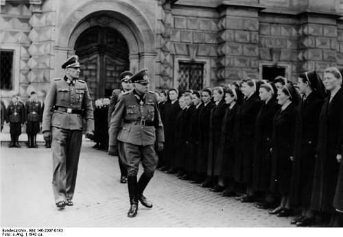 Click image for larger version.  Name:Bundesarchiv_Bild_146-2007-0183,_Karl-Eduard_von_Sachsen-Coburg_und_Gotha_in_Prag.jpg Views:49 Size:52.1 KB ID:863805
