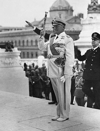 Click image for larger version.  Name:GFM Hermann Göring visiting Italy.jpg Views:96 Size:183.6 KB ID:882845