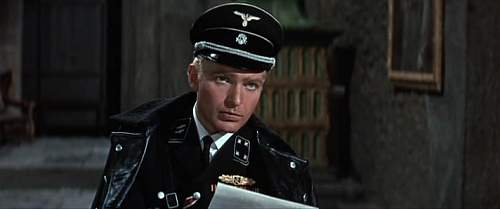 Click image for larger version.  Name:Where Eagles Dare [1968] 149mns.avi_snapshot_00.50.22_[2012.02.02_21.16.40].jpg Views:116 Size:31.7 KB ID:885190